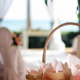 Beach wedding detail