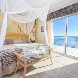 Romantic room with sea view