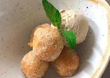 Pumpkin buñuelos with chestnut ice cream